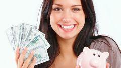 Как привлечь деньги в дом: моем пол золотой «денежной» водой.