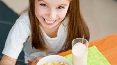 Как выбрать полезный завтрак для младшего школьника