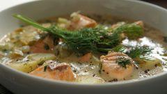 Традиционный финский суп с лососем, сливками и картофелем