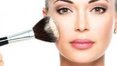 Как зрительно сузить широкое лицо при помощи макияжа