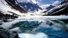 Отдых на озере Байкал зимой