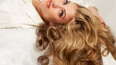 The restoration and strengthening of hair