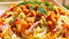 Как приготовить салат с кириешками