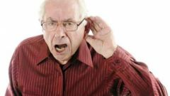 Как выбрать слуховой аппарат для пожилого человека без врача