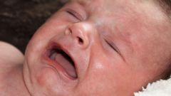 Почему ребенок плачет? Способы решить проблему
