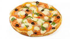 Пицца с ветчиной, брынзой и редисом