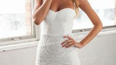 Вариации и особенности фасона платья-бюстье