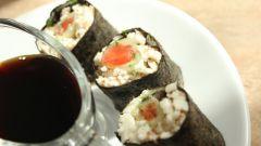 Как приготовить сыроедческие суши