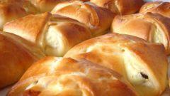 Как приготовить булочки с творожной начинкой