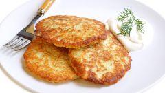 Картофельные драники с колбасой
