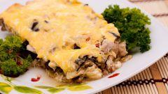 Баклажаны, запеченные с куриным мясом