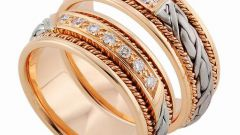 Wedding rings: commitment and loyalty