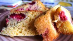 Как приготовить творожный кекс  с ягодами в мультиварке за 5 минут
