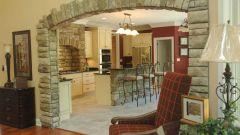 Интерьер квартиры с натуральным и декоративным камнем