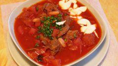 Красный борщ со свининой