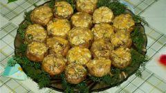 Фаршированные сыром и орехами шампиньоны