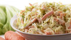 Крабовый салат из цветной капусты и фасоли