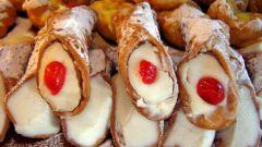 Конусы со сливочно-ягодной начинкой