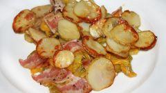 Тушеный картофель с беконом