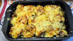 Запечённые под сыром овощи