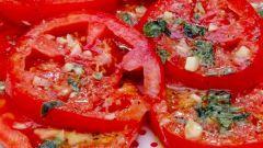 Быстрые малосольные помидоры в оригинальном маринаде