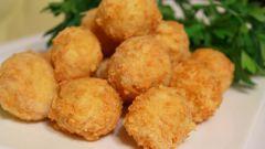 Нежные сырные шарики с ветчиной в духовке