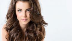 Как ухаживать за вьющимися и волнистыми волосами