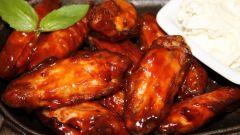 Куриные крылья, запеченные в кисло-сладком соусе
