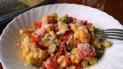 Цветная капуста с овощами в сливочном соусе