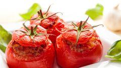 Как приготовить томаты, фаршированные грибами