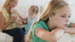 Как избавить от ревности старшего ребенка