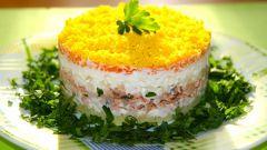 Как приготовить слоеный салат с куриной печенью