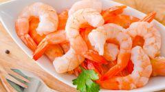 Как приготовить оригинальные салаты с креветками