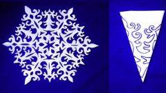 Как сделать из бумаги простую снежинку