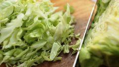 Как приготовить сочную тушеную капусту