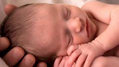 Голова новорожденного ребенка: форма, размер, родничок