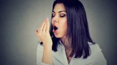 Неприятный запах изо рта: причины, лечение
