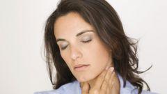 Ком в горле: причины неприятного ощущения