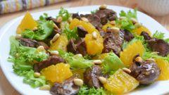 Как приготовить теплый салат из куриной печени