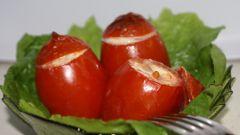 Как приготовить помидоры, фаршированные сельдереем и ананасом