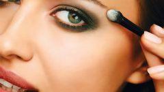 Как подчеркнуть глаза с помощью макияжа