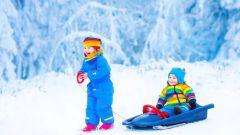 Как обеспечить безопасность ребенка при катании на санках