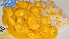 Как приготовить куриные грудки в сметанном соусе в мультиварке