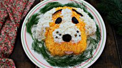 Как приготовить новогодний салат «Собачка»