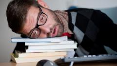 Как недосып влияет на психику