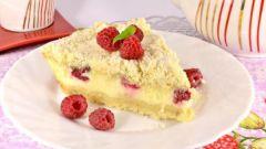 Как приготовить творожный пирог с ягодами и песочной крошкой