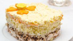 Как приготовить салат из куриной грудки с грибами