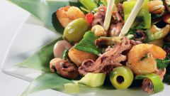 Как приготовить салат из морепродуктов: два простых рецепта