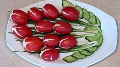 """Как приготовить салат """"Тюльпаны"""" из помидоров"""