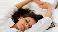 Сколько должен спать человек в сутки и в неделю